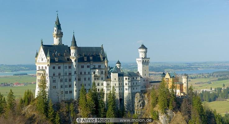 Von Ludwigs Castle Bavaria, Germany: Famous Castles, German Castles, Ludwig Castles, Favorite Places, Places I D, Castles Bavaria, Classic Castles, Neuschwanstein Castles, Bavaria Germany