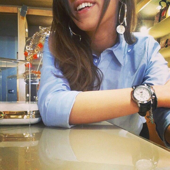 Orecchino Frida  #maisenza #stylist #design   ....visita il nostro sito per saperne di più  --- http://manueladegrecis.com/shop/orecchino-frida-argento-p-96.php ---