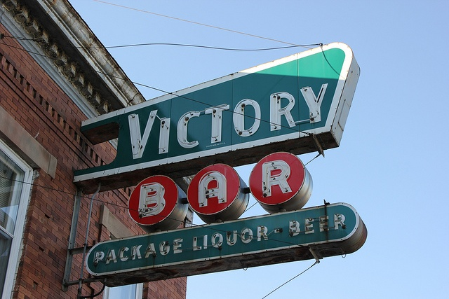 Victory Bar by andrew_horne, via Flickr