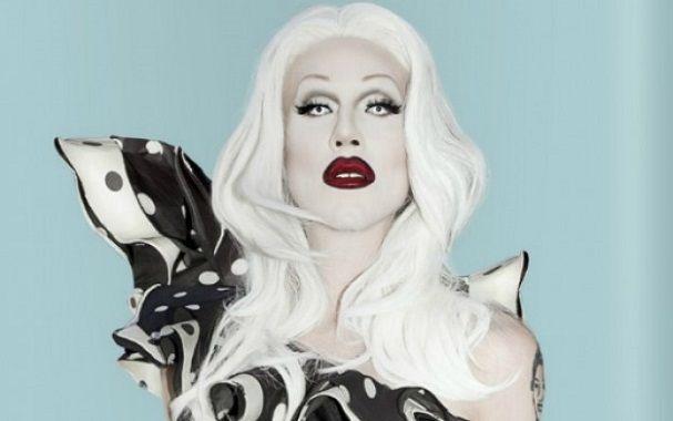Sharon Needles (Aaron Coady)  Marilyn Manson con más maquillaje -y definitivamente mucho más lindo. Saltó a la fama durante la 4° temporada de Rupaul's Drag Race. Sacó un disco con temazos escalofriantes.