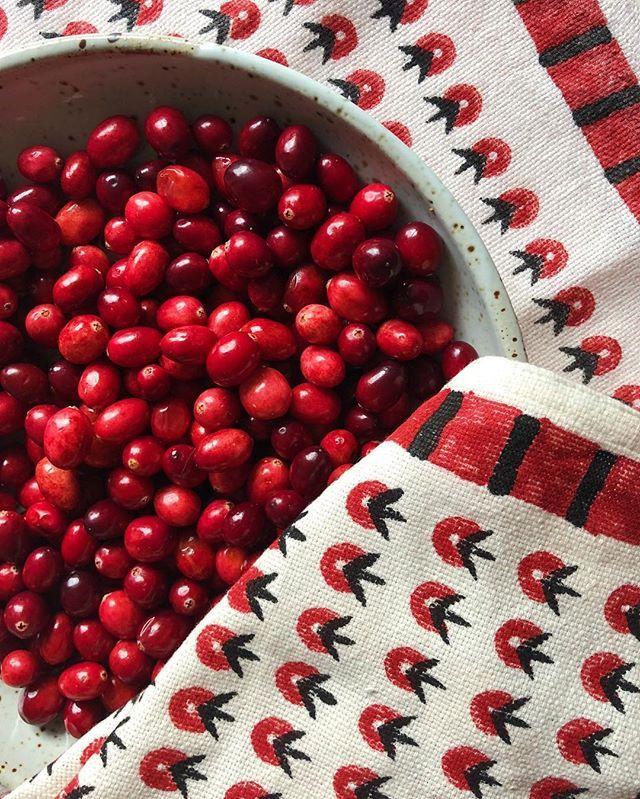 Poppy napkin - set of 2 | SHAPES + PATTERNS | Napkins set, Napkins