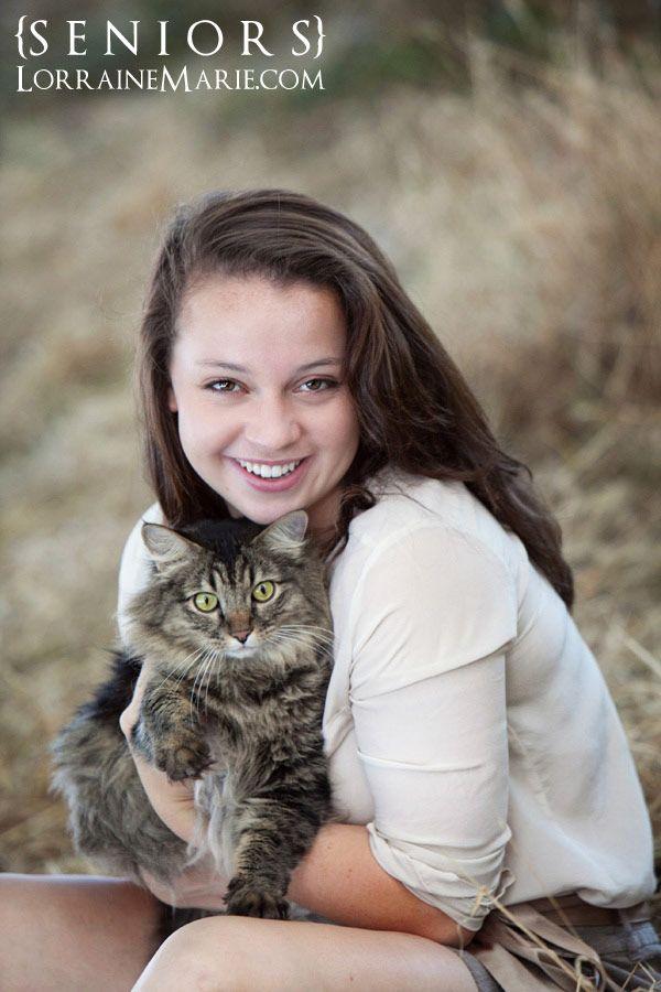 Reagan-senior-photos-girl-with-cat