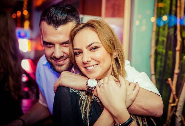 Si-au spus adio chiar inainte de nunta! Sa fi fost infidelitate? - http://romania-mondena.blogspot.com/2015/04/si-au-spus-adio-chiar-inainte-de-nunta.html
