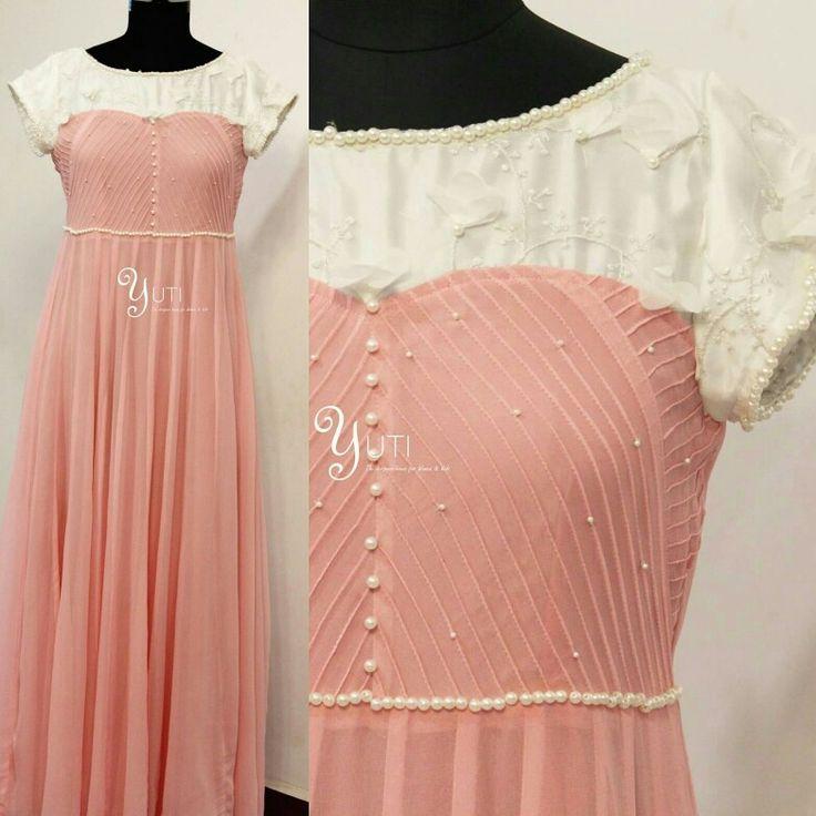A baby pink dress with pearl work and white floral finish! For Orders and Queries reach us at 044-42179088 WhatsApp: 9789903599 Address: No.21, Valmiki street, Thiruvanmyur. #babypink #pinkdress #prewedding #preweddingphoto #preweddingphotoshoot #pinkandwhite #pearlwork #floralwork #yutiforbrides #yutidesignerhouse #YUTIDesignerHouse #yuti