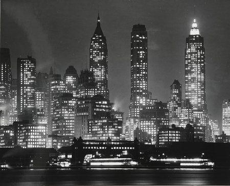 Zwischen 1890 und 1950 entstanden in New York Meisterwerke der Schwarz-Weiß-Fotografie. Eine Ausstellung im Hamburger Bucerius Kunst Forum erinnert an diese Zeit.