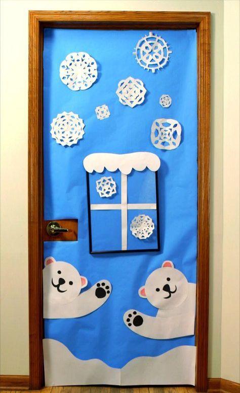 Per tutte le creative un'idea speciale per decorare le porte della sezione a Natale.