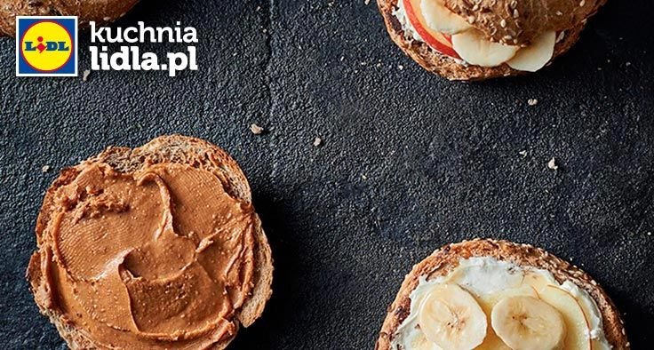 Tostowana kanapka z masłem orzechowym i owocami. Kuchnia Lidla - Lidl Polska. #lidl #chrupiacezpieca