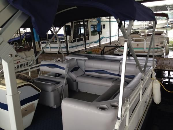 Bentley Pontoon Boat Furniture