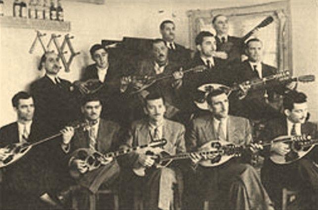 Δημοσιεύτηκε στις 10 Οκτ 2012 Μουσική: Γιάννης Παπαϊωάννου Στίχοι: Χαράλαμπος Βασιλειάδης Πρώτη φωνογράφηση: 1946 (Odeon GA/7335 )