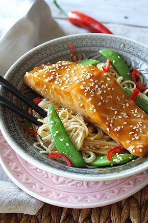 Sticky salmon teriyaki with noodles | Zalm met teriyaki en noedels | Recipe on www.francescakookt.nl