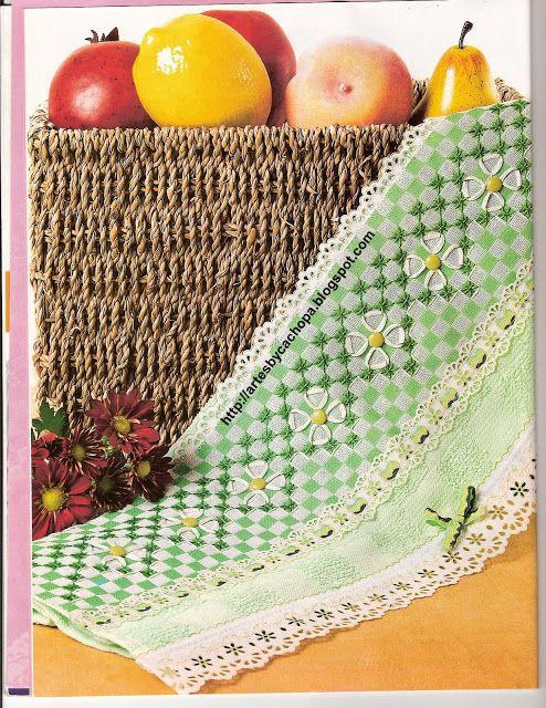 Arte by Cachopa - Bordado I: Leve as flores para a sua copa através de panos de copa Chicken Scratch Embroidered Towel