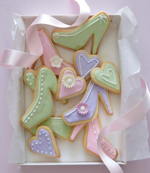 These pretty biscuits will delight everyone!