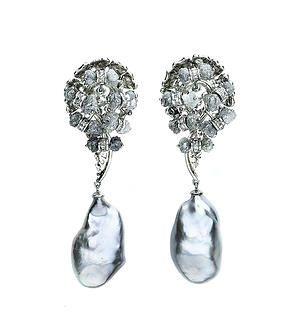 Pin de Teresa Soares.  Obrigada por partilhar um par de brincos Maria João Bahia na sua rede.  #mariajoaobahia #brincos #earrings #joiasdeautor #joias #jewelry #avenidadaliberdade #sparkle #shiny #luxury #luxo #brilho #brilhante #obrigada