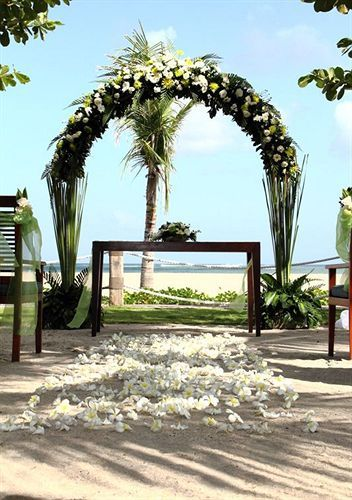 The name Sandi Phala has a strong Hindu spiritual meaning, signifying a blessing coming from the eight wind directions. It also has one of the best sunset locations if you looking to have a faraway destination wedding.
