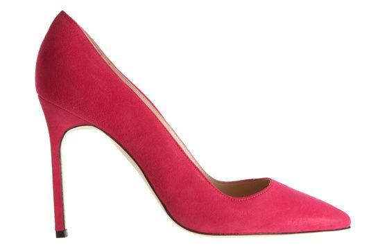 Manolo Blahnik escarpins rose bb http://www.vogue.fr/mode/shopping/diaporama/rose-shocking/12470/image/741093#manolo-blahnik-escarpins-rose-bb