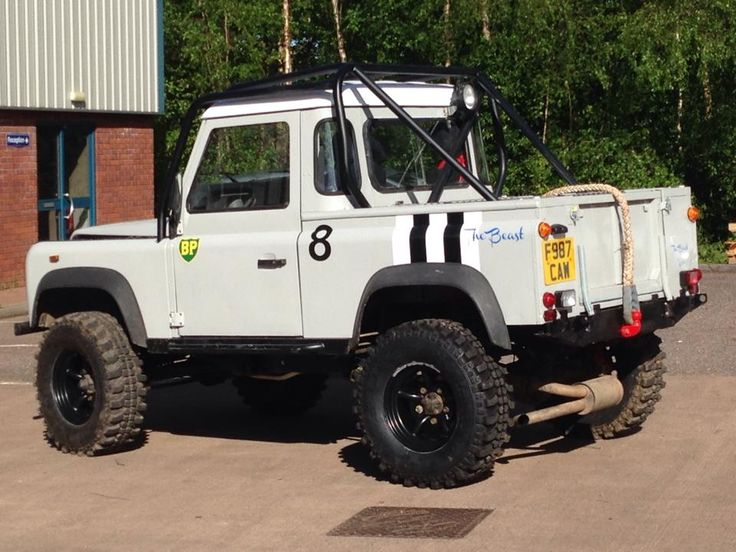 Mark Beasley Striped his Land Rover in recognition of the veterans and fallen of the D-Day Campaign.