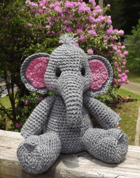 Baby Elephant Amigurumi Crochet Pattern PDF door LisaJestesDesigns