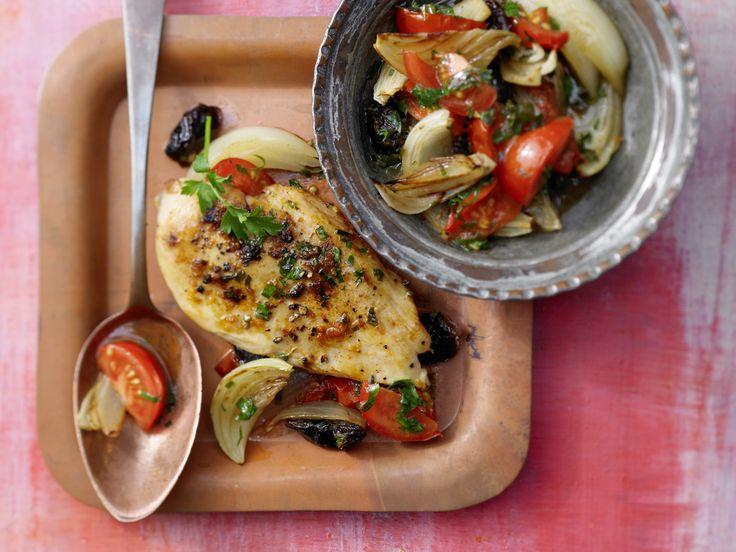Hähnchenfilet auf arabische Art - mit Petersilie und Tomaten - smarter - Kalorien: 415 Kcal - Zeit: 20 Min. | eatsmarter.de
