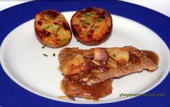 Filetes de cerdo al whisky Todo un clásico de muchos bares y restaurantes:filetes de cerdoal whisky. Una salsa sencilla y muy sabrosa. INGREDIENTES FILETES DE CERDO AL WHISKY: Filetes de cerdo( podemos usar de lomo o solomillo) Ajos Aceite de oliva Sal Pimienta Whisky Zumo de limón Caldo de carne Receta Filetes de cerdo al …