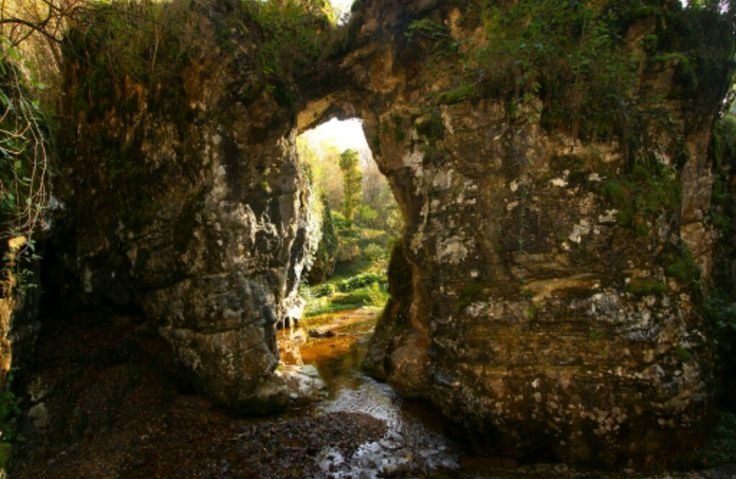 Grotte arco naturale