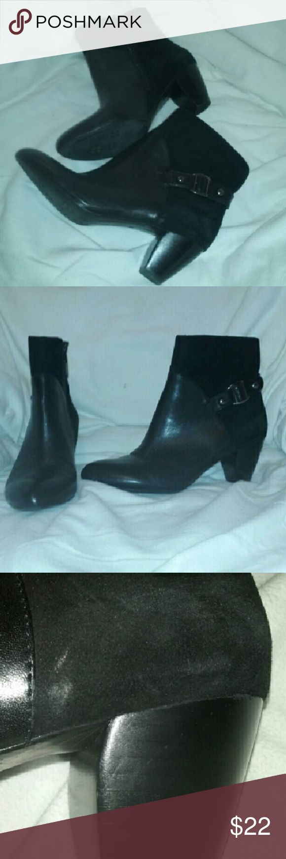 """Naturalizer ENCORE Ankle Boots Black 8.5 Wide In good, clean condition. Genuine leather and suede upper. Some wear to suede, not bad,  Approx 2 1/2"""" heel. Size 8 1/2 W ((Wide). Naturalizer Shoes"""