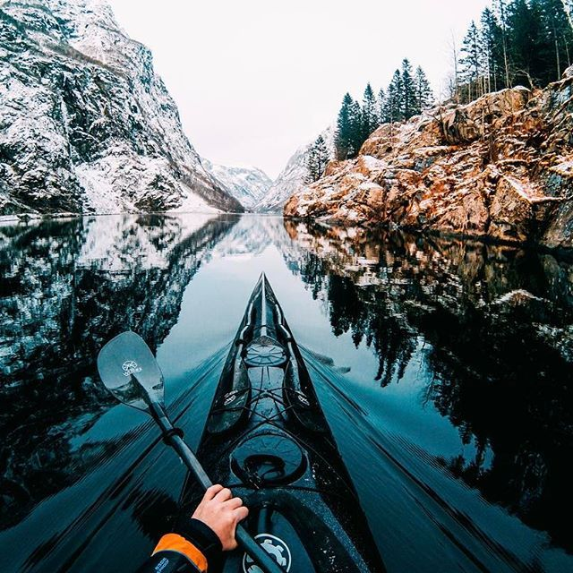 Photo of the day! Frozen fingers? No problem! Remo's voice command comes through in the clutch as @tfbergen paddles in subzero temps. • • • #GoPro #GoProTravel #kayak #