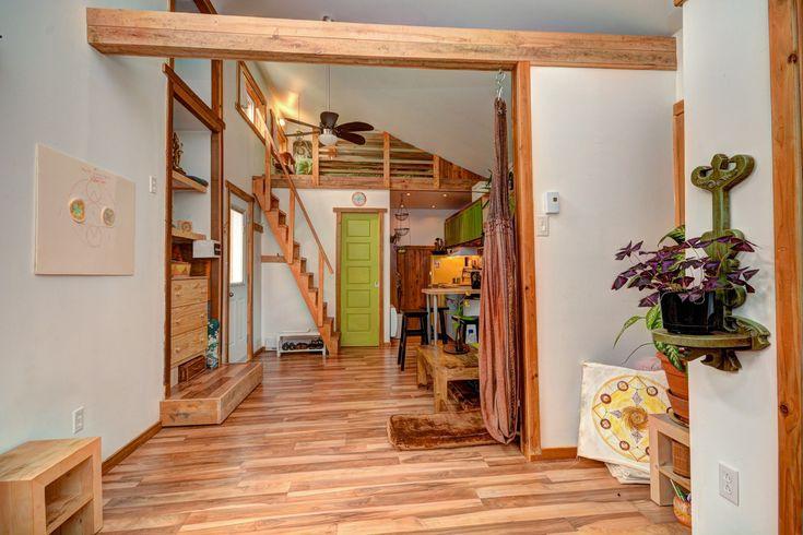 une chaleureuse mini maison enti rement r nov e val david minis as val and david. Black Bedroom Furniture Sets. Home Design Ideas
