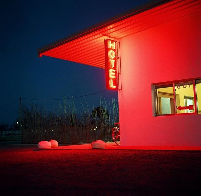 Marfa ~ thunderbird motel http://decorationlovers.com/ http://instagram.com/decoration_lovers https://twitter.com/decor_lovers https://www.facebook.com/decorationlovers