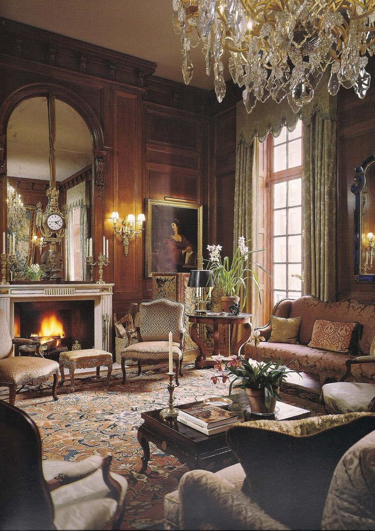 The Devoted Classicist A French Kiss In Manhattan 15 E StreetI Like Use Of Space This Pic For Drawing Room