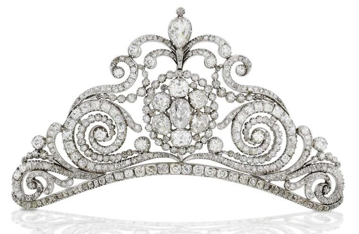 Diamond Tiara c1810.  The openwork triangular plaque set  with diamonds of approx. 20 carats total, detachable to form 3 brooches.: Diamonds Tiaras, Century Diamonds, 19Th Century, Crowns Jewels, Royals Jewels, Plaques Sets, Early 19Th, Circa 1810, Ears 19Th