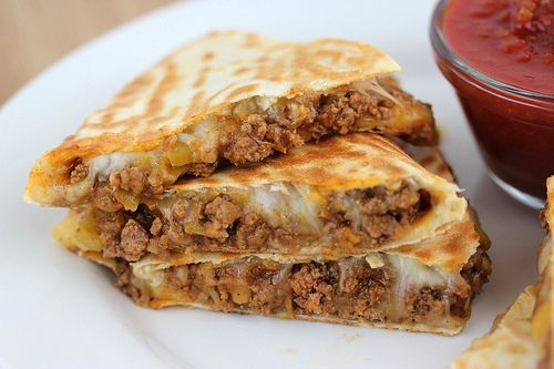 Beef Quesadillas... looking for a simple and quick meal that is filling?  Less prep and not as messy as an ordinary taco meal. Another great Mexican meal - YUM  <3