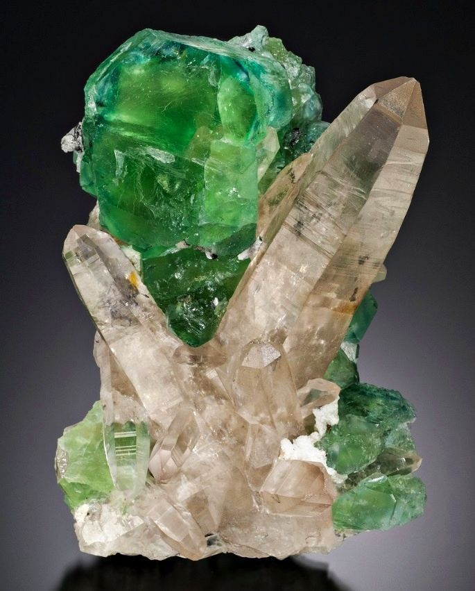 картинки драгоценные минералы второй части бешеная