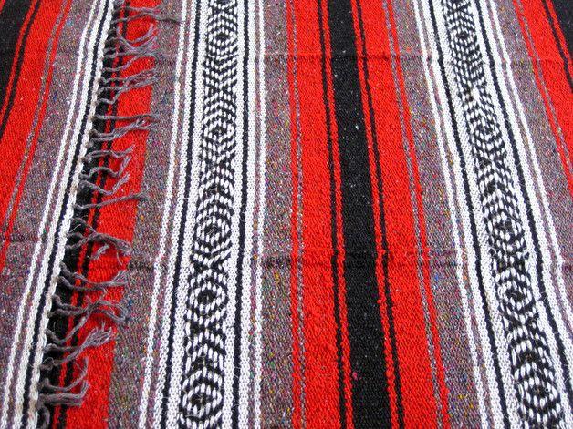 _Hinweis: Leichte Farbabweichungen auf den Fotos lassen sich leider nicht vermeiden._   **Mexikanische Decke im Falsa-Stil**   Diese Falsa-Decke ist original mexikanisch, in Mexiko...