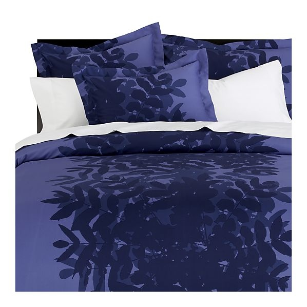 Crate & Barrel + Marimekko = obsession. I love this deep purple. I'm definitely tempted to pick this up immediately.