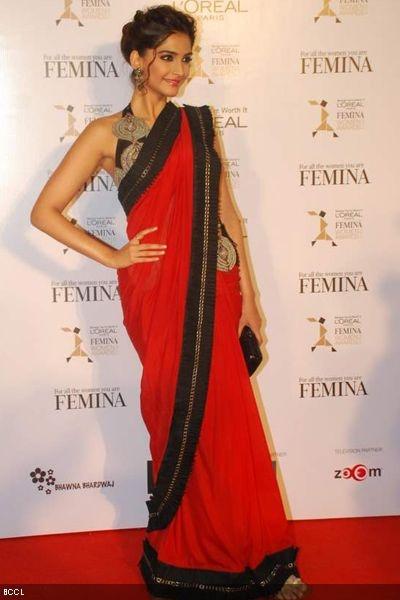 Sonam Kapoor in Anamika Khanna at LOreal Paris Femina Women-Awards 2012 held in Mumbai.