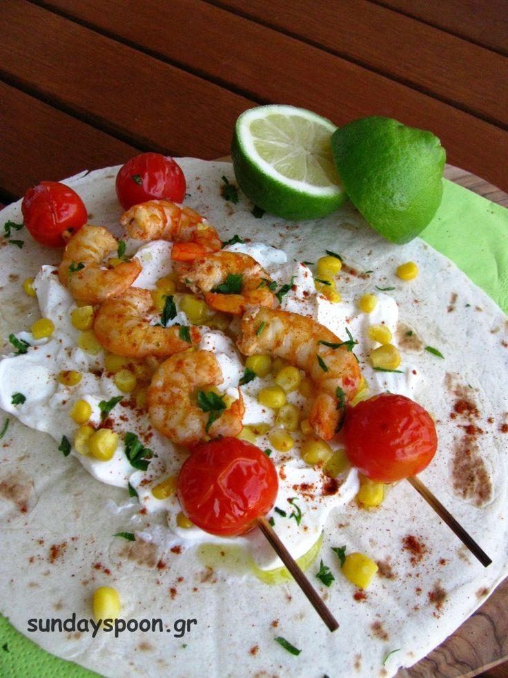 Tortilla with shrimp kebab / Γαρίδες σουβλάκι με τορτίγια