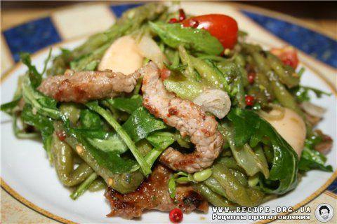 Фото рецепта: Теплый салат с говядиной и фасолью