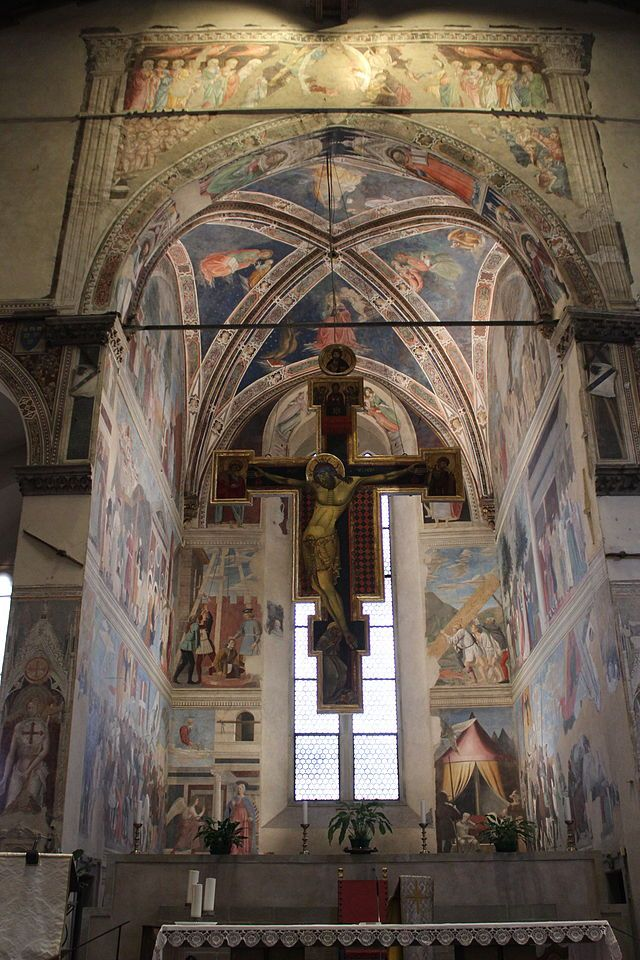 PIERO DELLA FRANCESCA: Vista general de la Capilla Bacci, en el presbiterio de la iglesia de San Francisco de Arezzo.