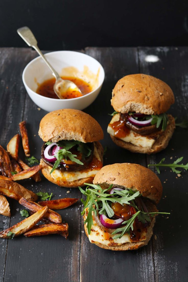 Halloumi Burger Veggie Burger with mango chutney