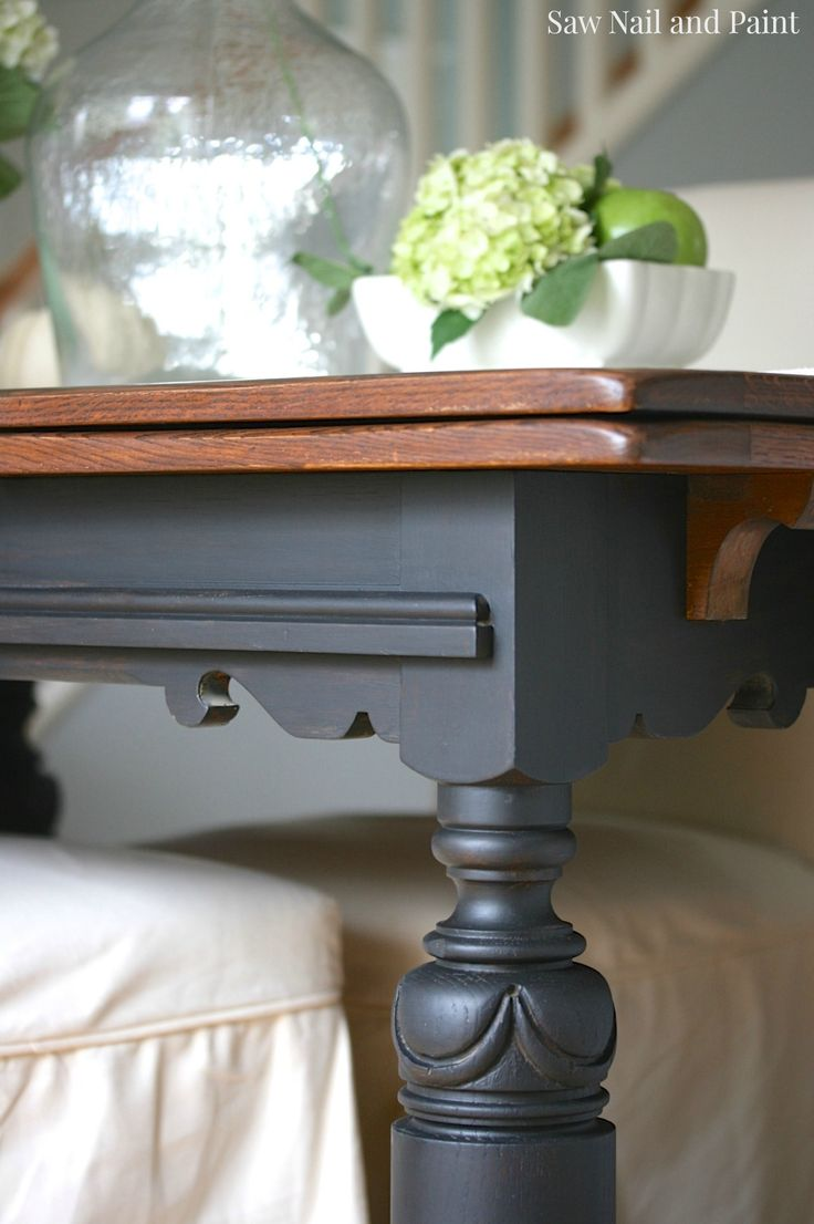 Vintage Draw Leaf Table leg
