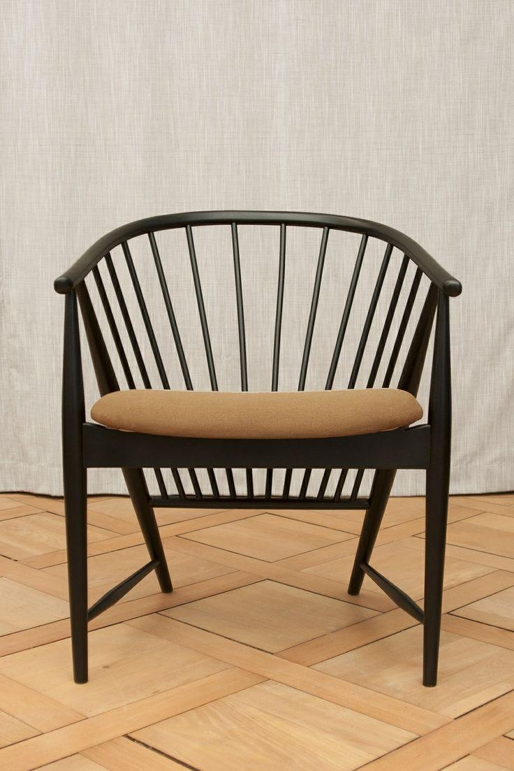 Pair of 'Sulfjadern' Chairs by Sonna Rosén www.vikingmoderna.ch #sulfjadern #sonna rosen #sun feather #midcentury #modern #chairs #swedish design #vintage