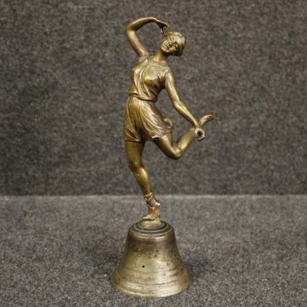 450€ Italian bronze bell with dancer sculpture. Visit our website www.parino.it #antiques #antiquariato #art #antiquities #antiquario #sculpture #statue #metal #decorative #interiordesign #homedecoration #antiqueshop #antiquestore #bell #dancer #bronze #iron