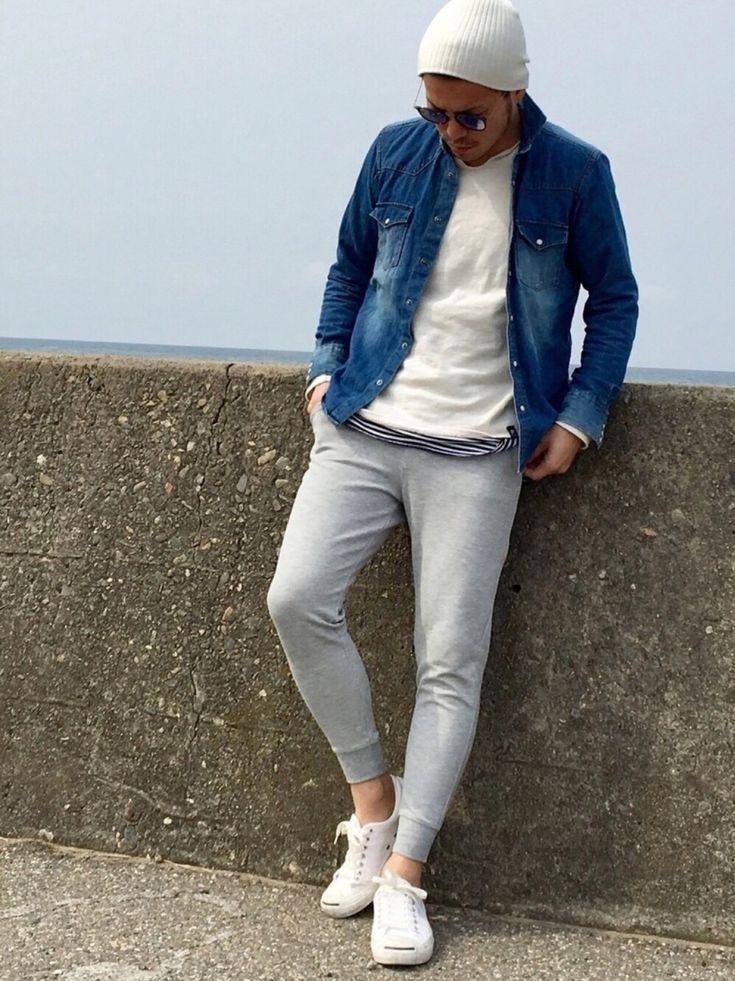 春 メンズファッション スウェットパンツ デニムシャツ サングラス ニット Spring men's fashion sweatpants denim sunglasses rayban  Kinch@nさんのコーディネート