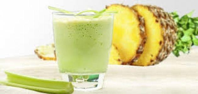 Le céleri permet d'éliminer les graisses grâce à sa fonction diurétique et dépurative et son effet rassasiant. Il faut savoir qu'un tel régime pourrait nous faire perdre 8 kilos en seulement deux semaines. Dans les lignes qui suivent, nous allons vous expliquer comment inclure ce légume dans un régime minceur.  Le matin : un jus au céleri, au concombre et à l'ananas