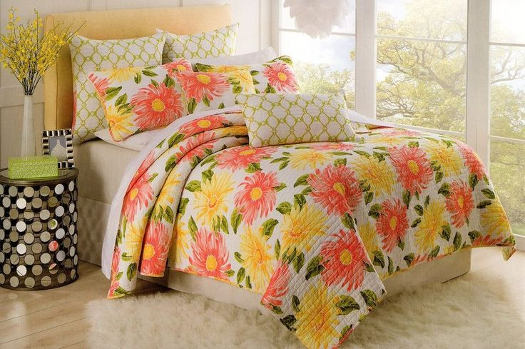 Cynthia Rowley Full Queen Quilt Large Flowers Sage Coral