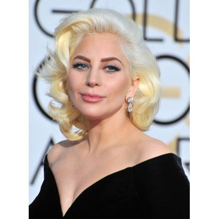 Lady Gaga At Arrivals For 73Rd Annual Golden Globe Awards 2016 - Arrivals Canvas Art - (16 x 20)