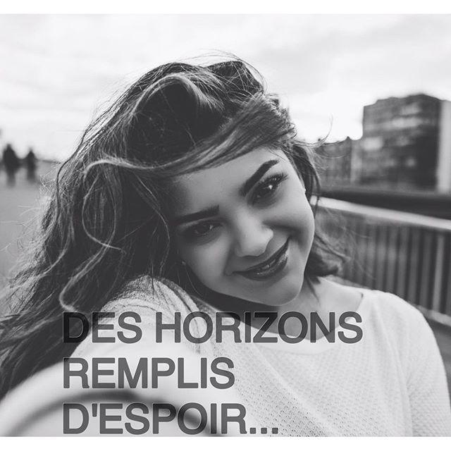 """Instagram media carolinecostaofficial_ - J-1 avant la sortie de mon single """"ailleurs"""" !!!!!!  ❤️"""