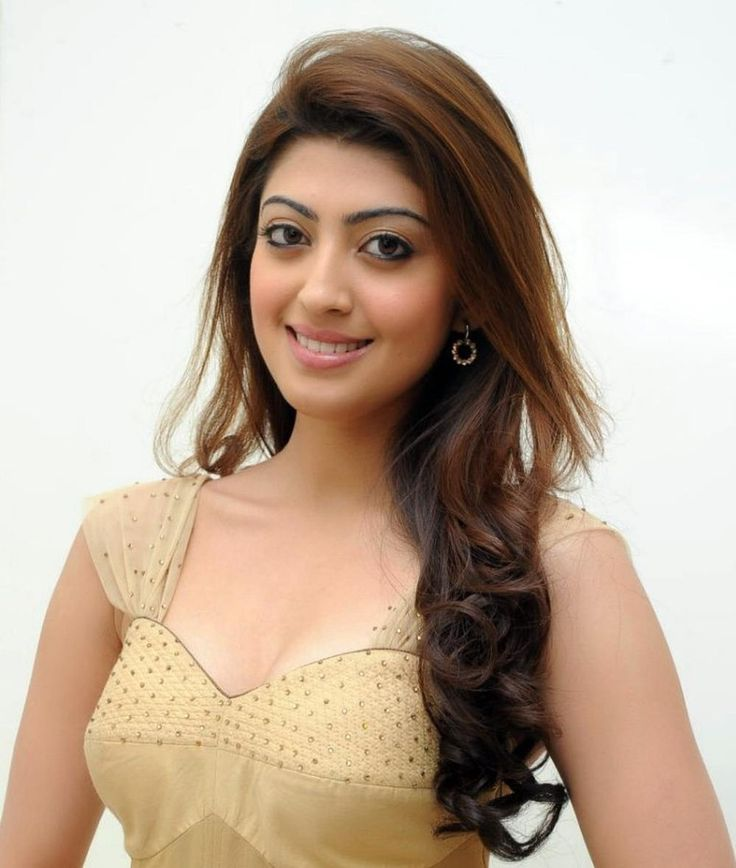 The latest news of actor Jai uniting with Anjali for a horror thriller came last week. Now an interesting update on his another project Enakku Vaaitha Adimaigal arrived at our ears that he will get to romance Pranitha Subhash.
