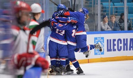 November 4 2016 - Great Britain's female ice hockey team beat Mexico with two late goals
