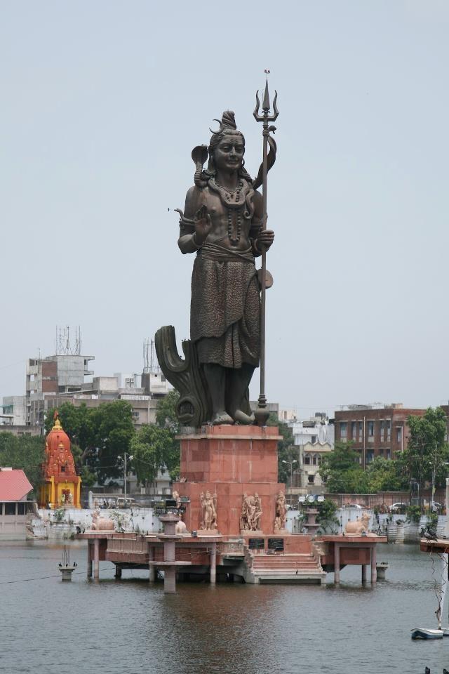 Biggggggg Lord Shiva's statue in Baroda